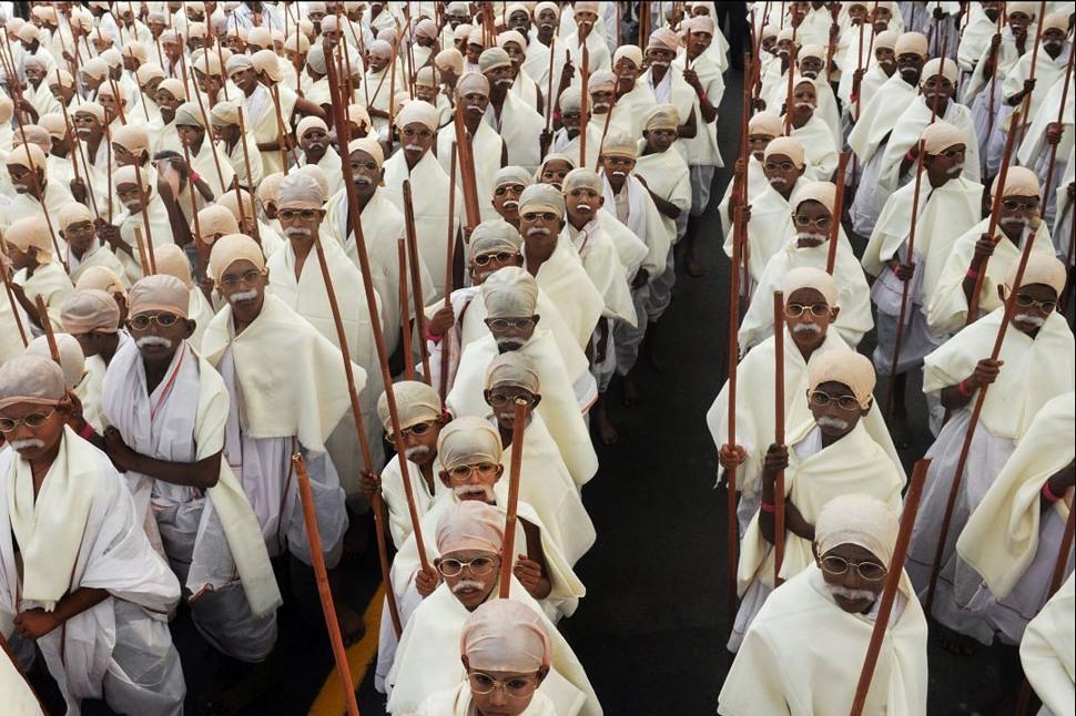 gandi10 В Калькутте состоялся марш маленьких Ганди