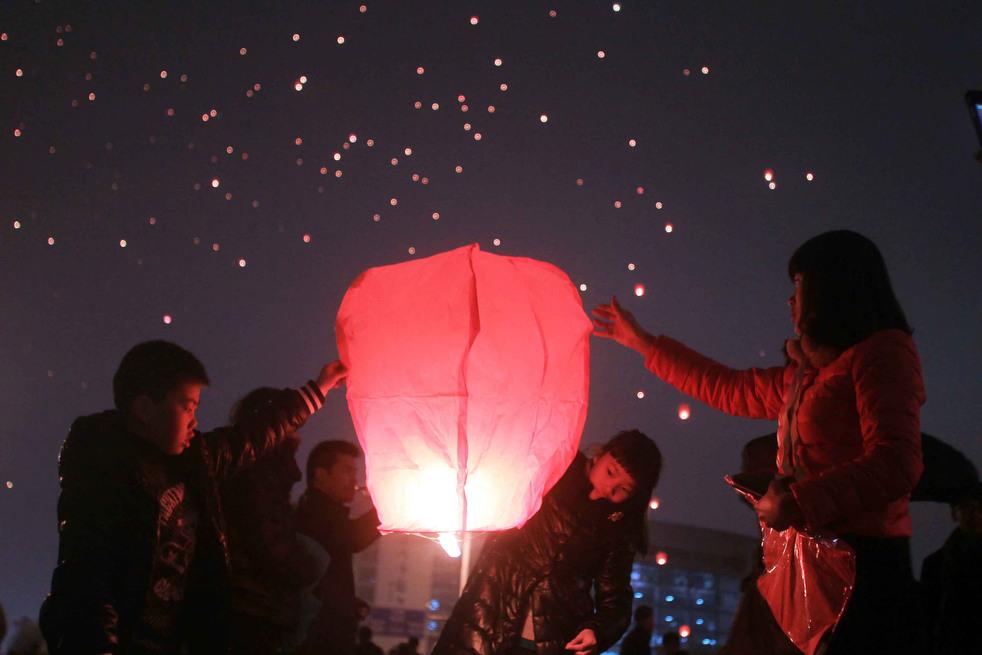 lantern festival 2012 15 Фестиваль фонариков