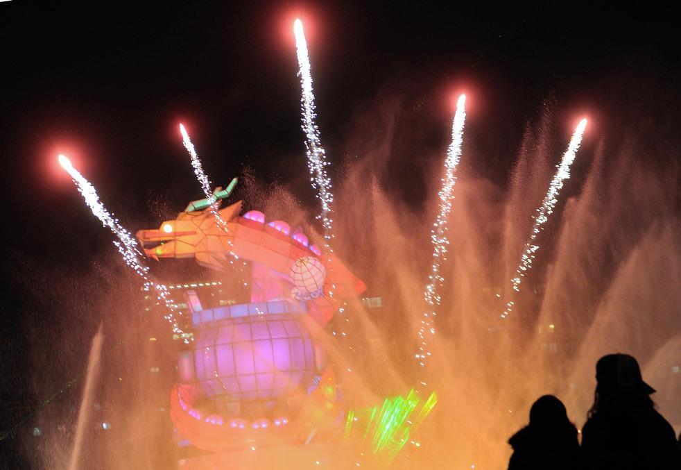 lantern festival 2012 25 Фестиваль фонариков