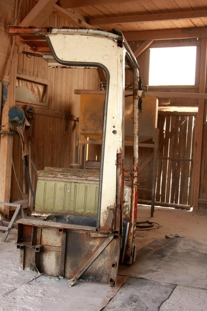 rabochee mesto iz starogo ikarusa 04 Удивительное рабочее место из старого Икаруса