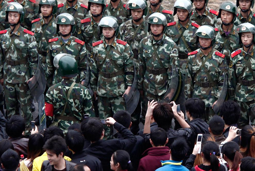 s c04 RTR2TBF8 Китай протестует