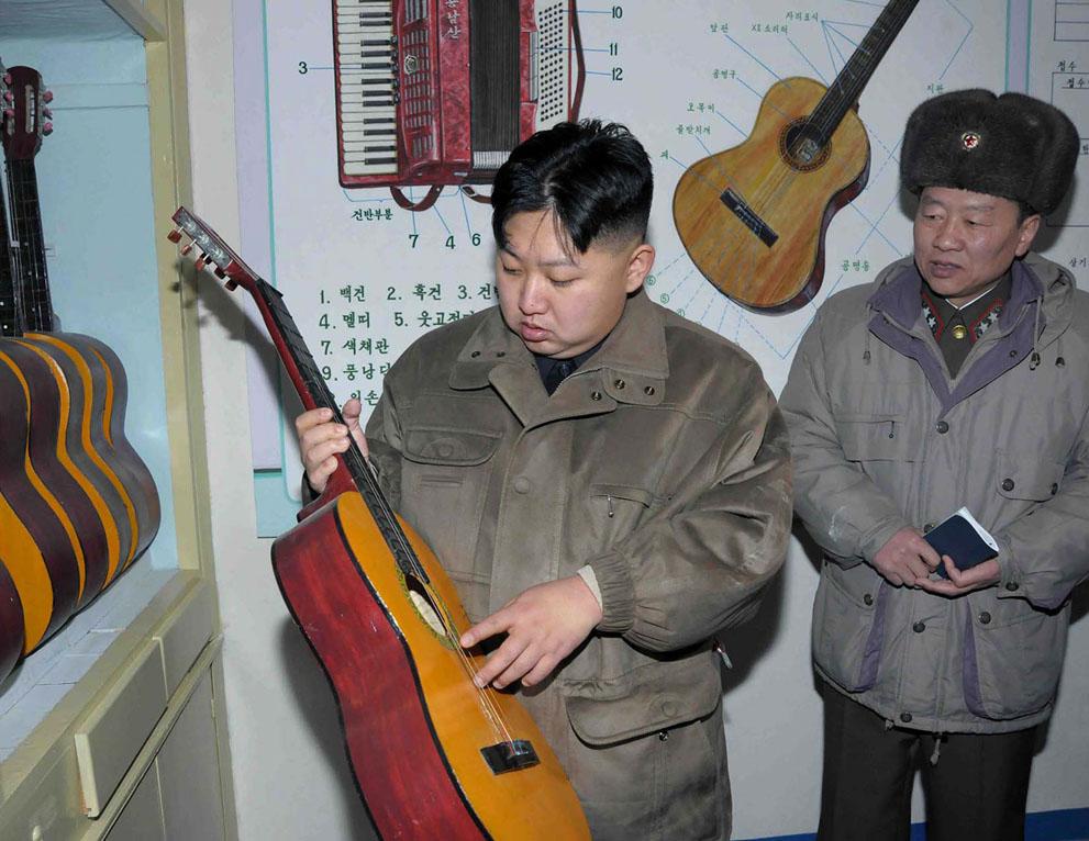 s k26 11903323 Ким Чен Ын   по стопам отца