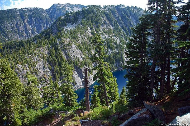 0176 800x532 США: Озера и водопады долины реки Фосс