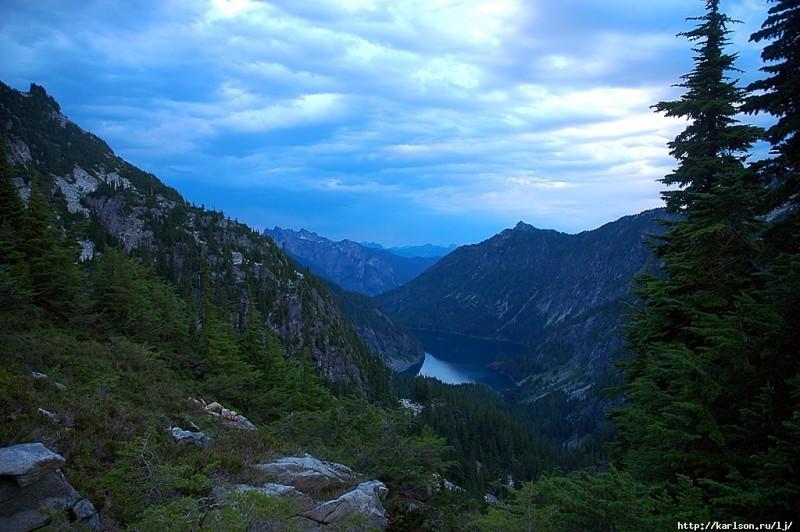 0291 800x532 США: Озера и водопады долины реки Фосс