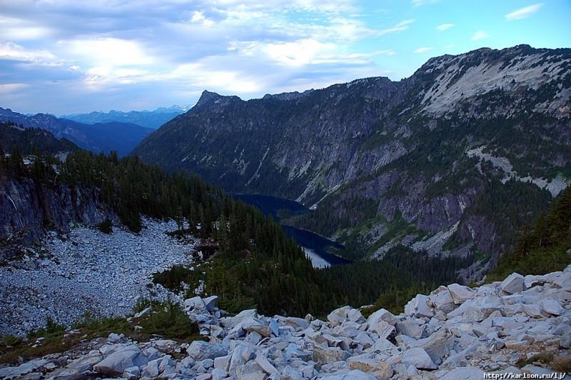 0301 800x532 США: Озера и водопады долины реки Фосс