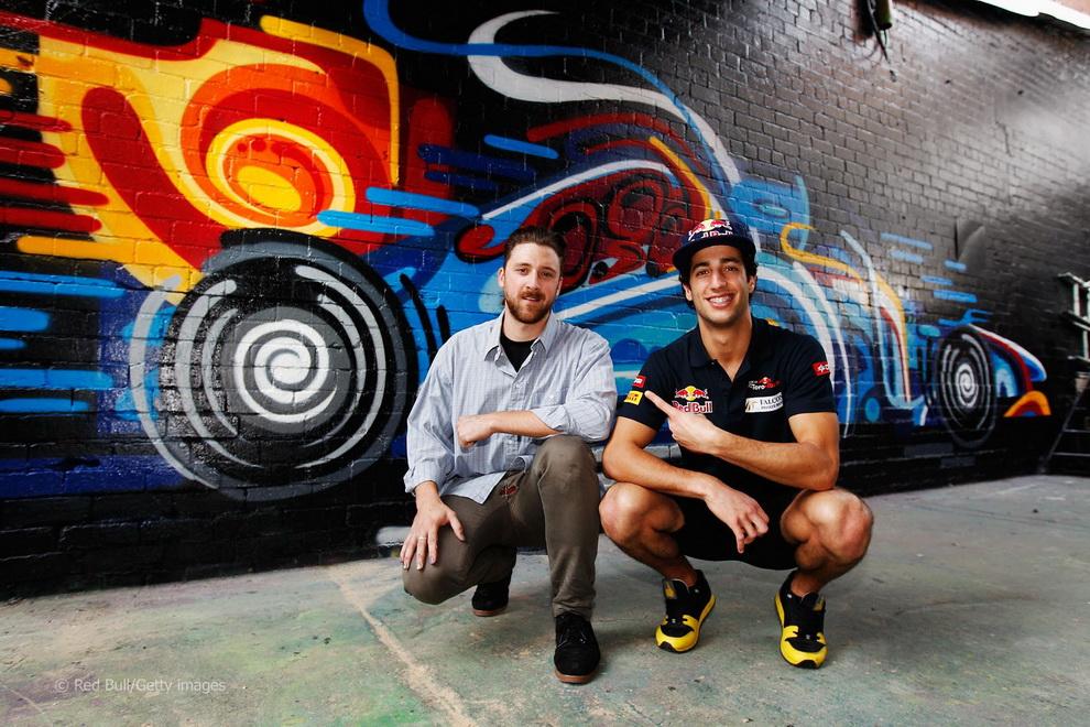 10106 За кулисами Гран При Австралии 2012: фоторепортаж