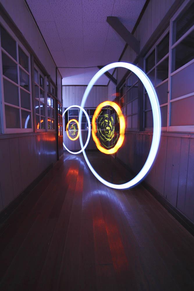 1013 Шедевры светографики от Тревора Уильямса