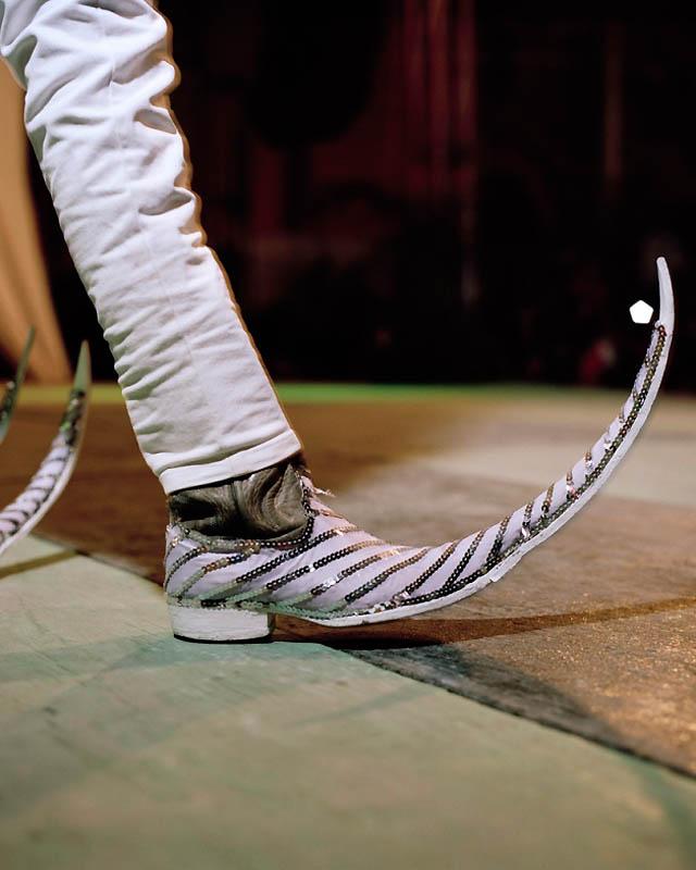 10158 Новое увлечение Мексики: остроносые туфли для танцев