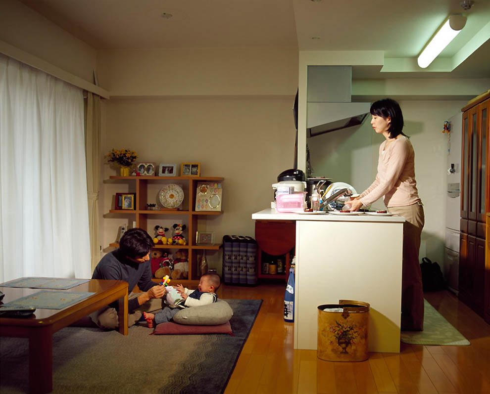 11108 Жизнь современных японцев в фотопроекте «Куда мы отсюда движемся?»