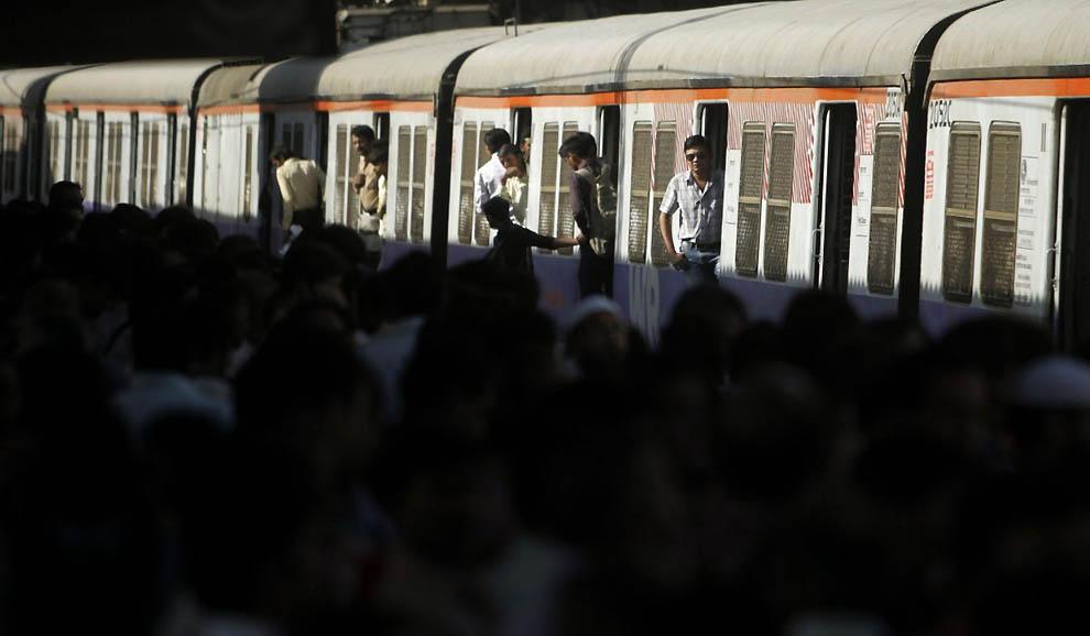 11114 Индийская железная дорога   перегруженный гигант в действии