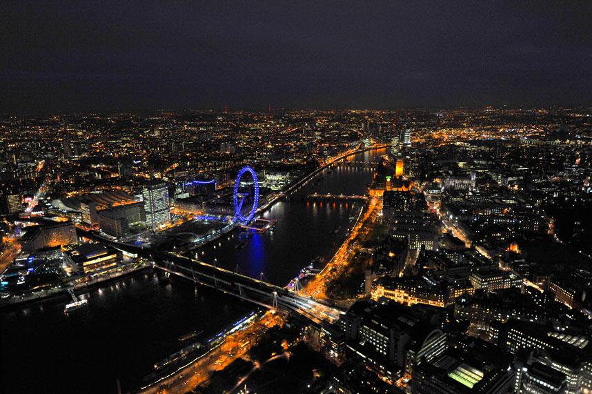 11122 Энергопотребляющий Лондон с высоты птичьего полета