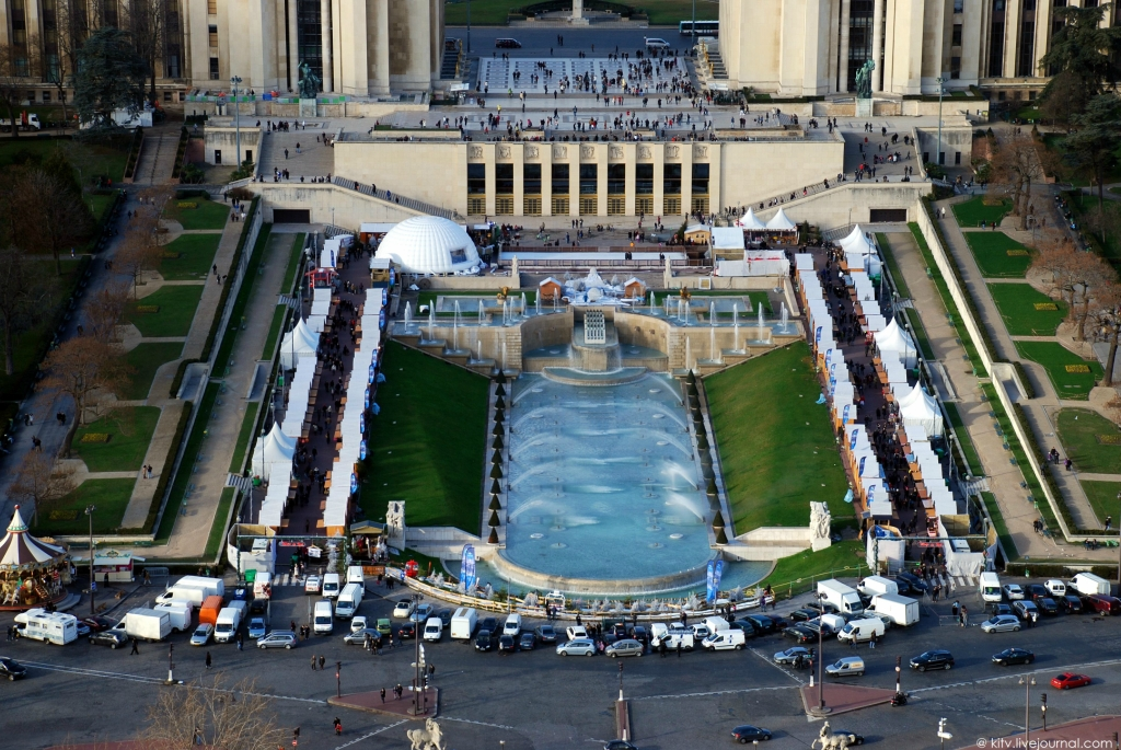 11128 Как выглядит Париж с Эйфелевой башни?