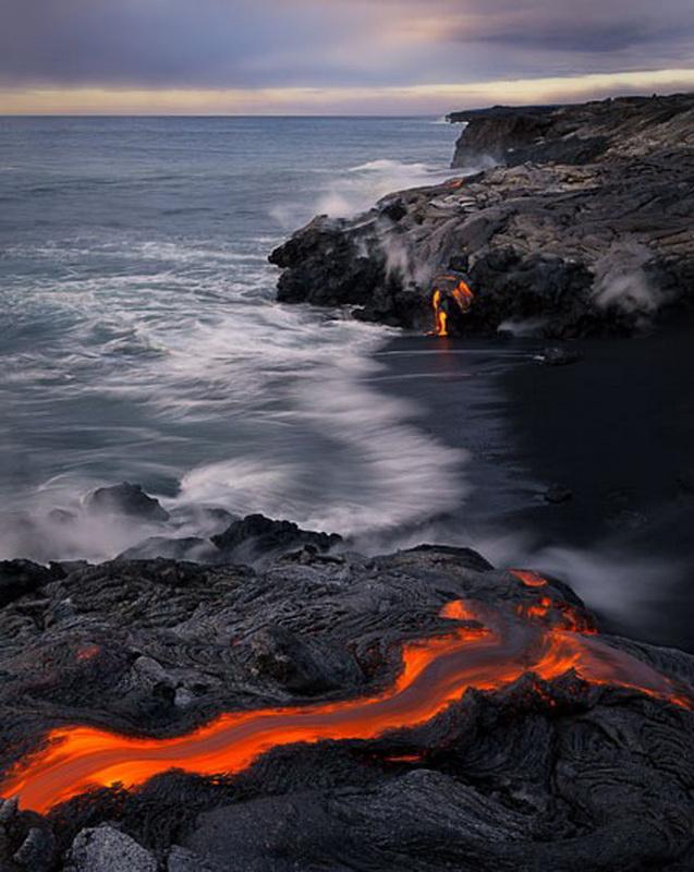 11185 Любитель лавы – фотограф вопасной близости отвулкана наГавайях
