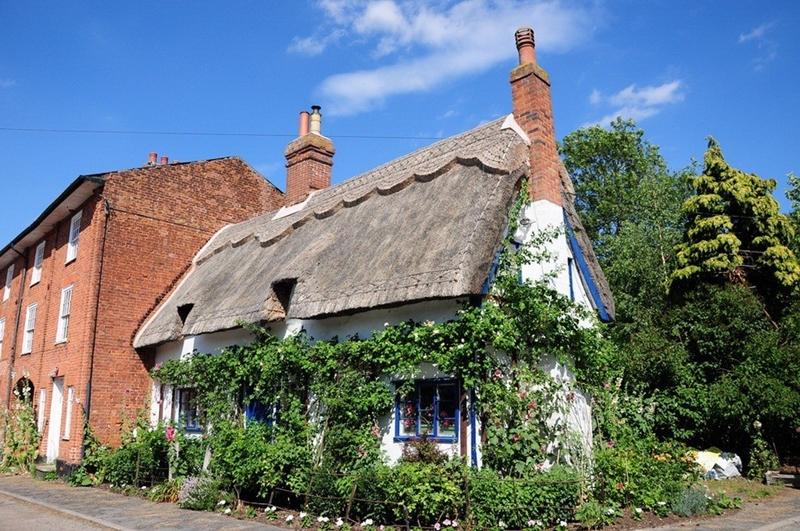 1123 Соломенные крыши английской провинции