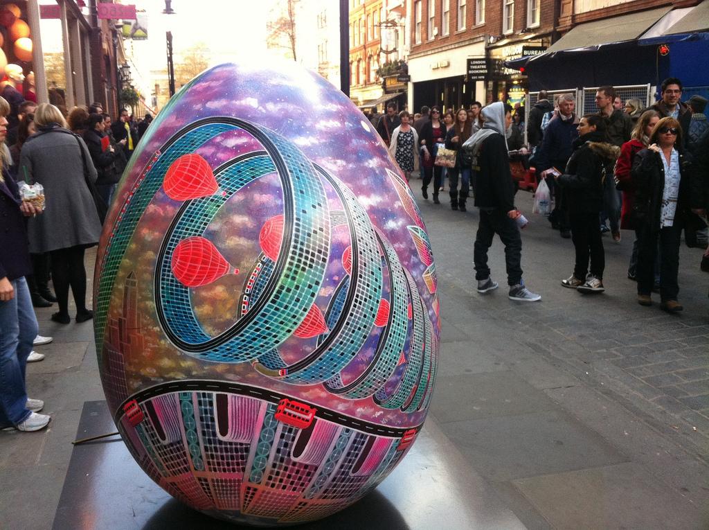 1161 Большая пасхальная охота за расписными яйцами в Лондоне
