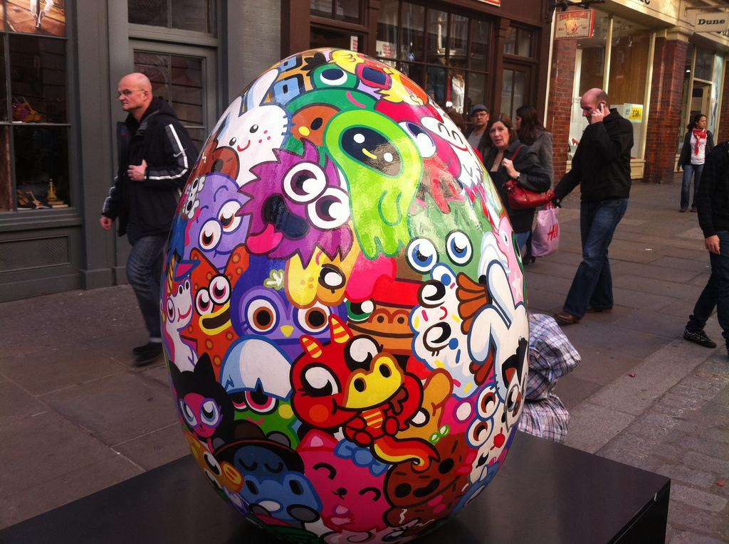 1162 Большая пасхальная охота за расписными яйцами в Лондоне