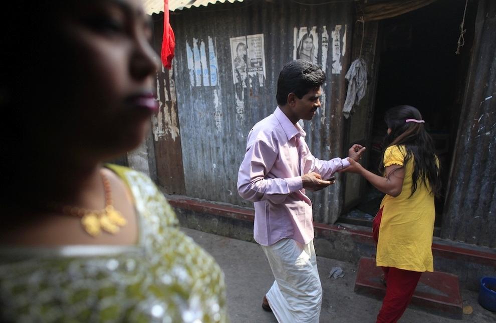 12112 Малолетние проститутки Бангладеш