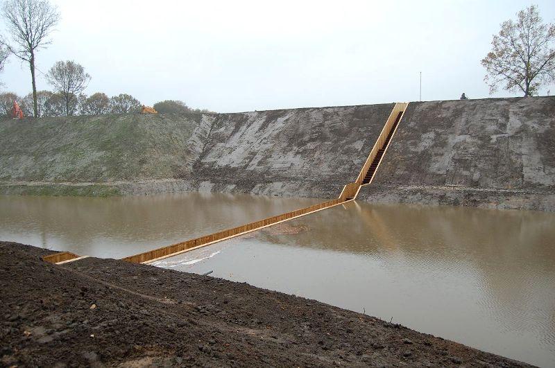 122179490689 Мост Моисея в Голландии получил титул Лучшее сооружение 2011