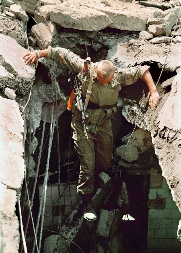 1275679D Первая Чеченская война в фотографиях Александра Неменова