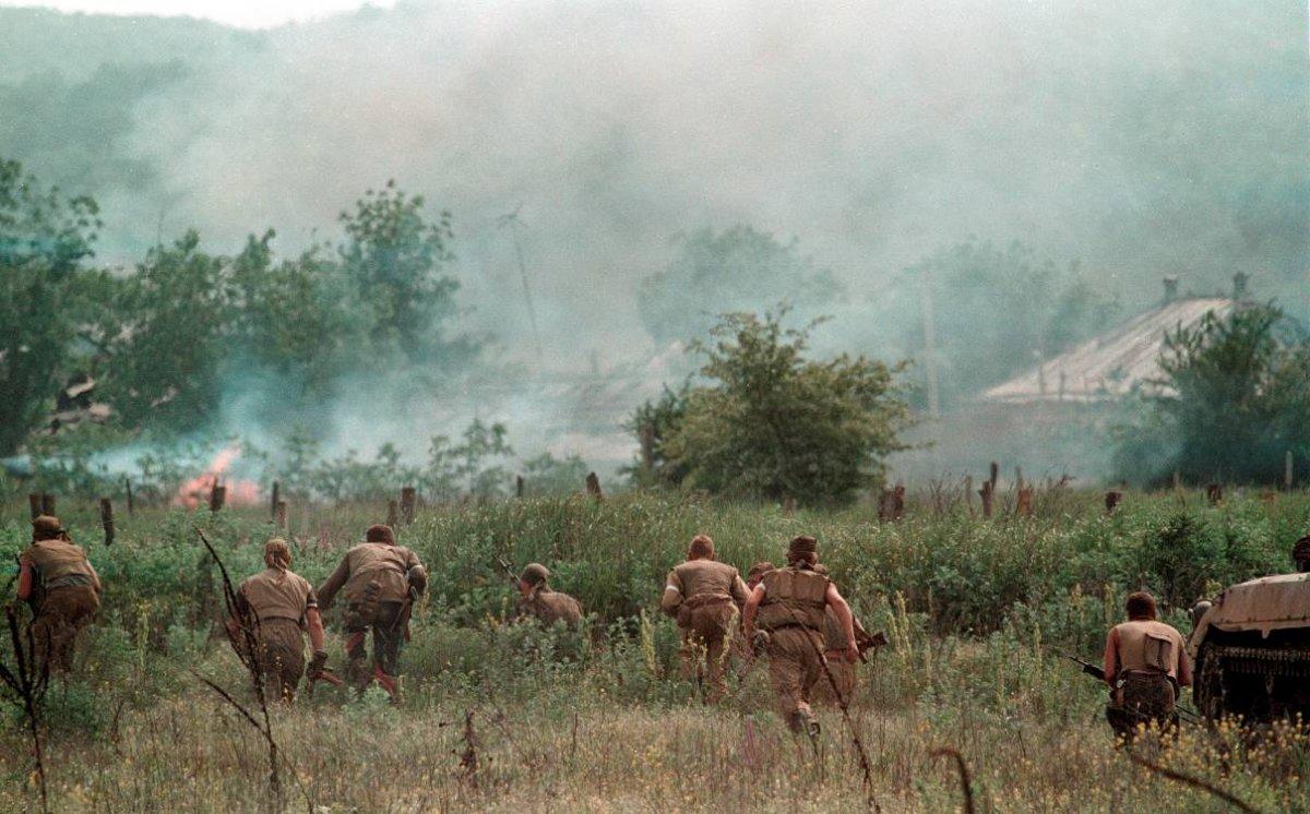 1275679H Первая Чеченская война в фотографиях Александра Неменова