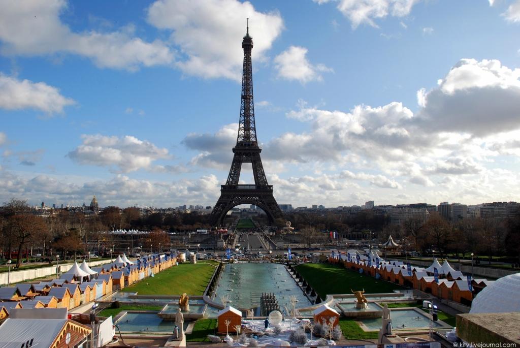 1302 Как выглядит Париж с Эйфелевой башни?