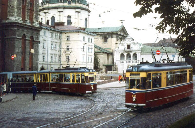 1353 Советский Львов на цветных фото