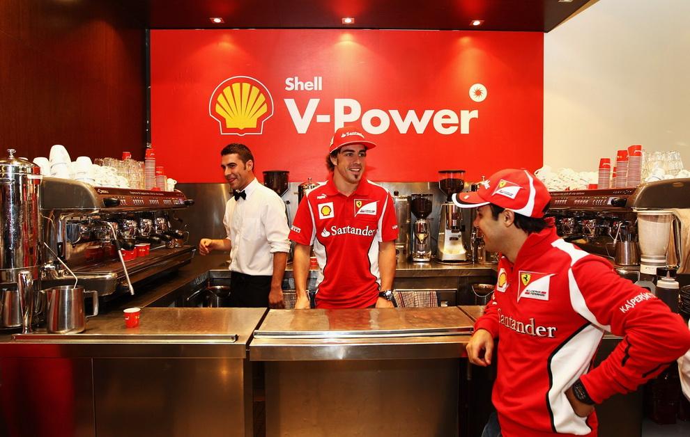 1391 За кулисами Гран При Австралии 2012: фоторепортаж