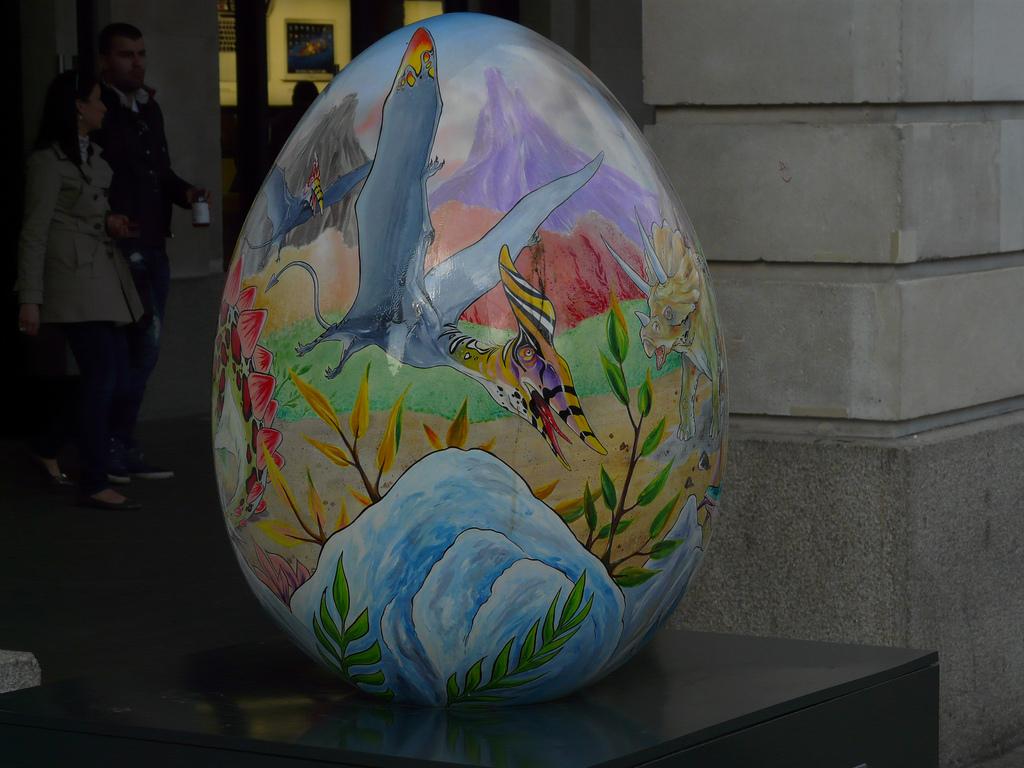 1434 Большая пасхальная охота за расписными яйцами в Лондоне