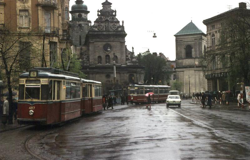 1449 Советский Львов на цветных фото