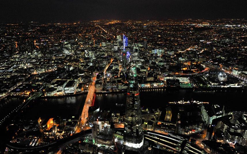 1469 Энергопотребляющий Лондон с высоты птичьего полета