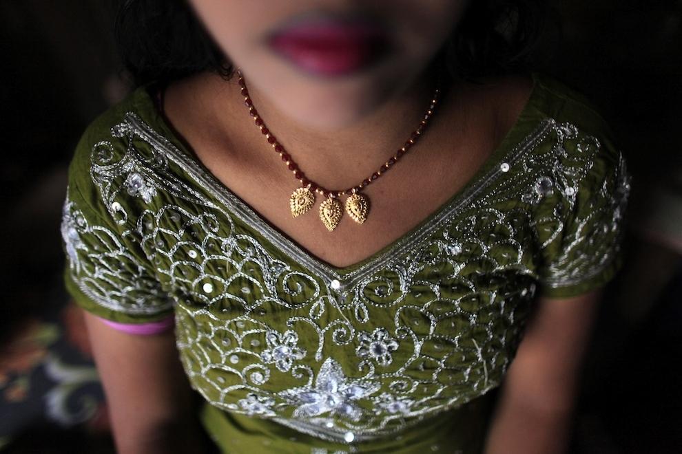 1483 Малолетние проститутки Бангладеш