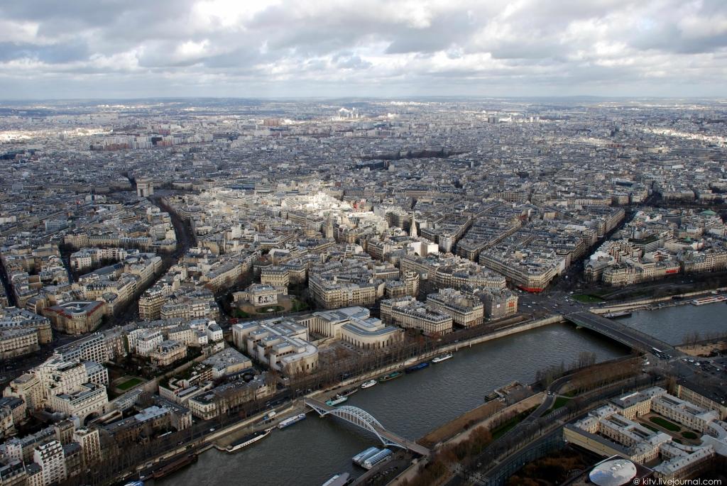 1571 Как выглядит Париж с Эйфелевой башни?