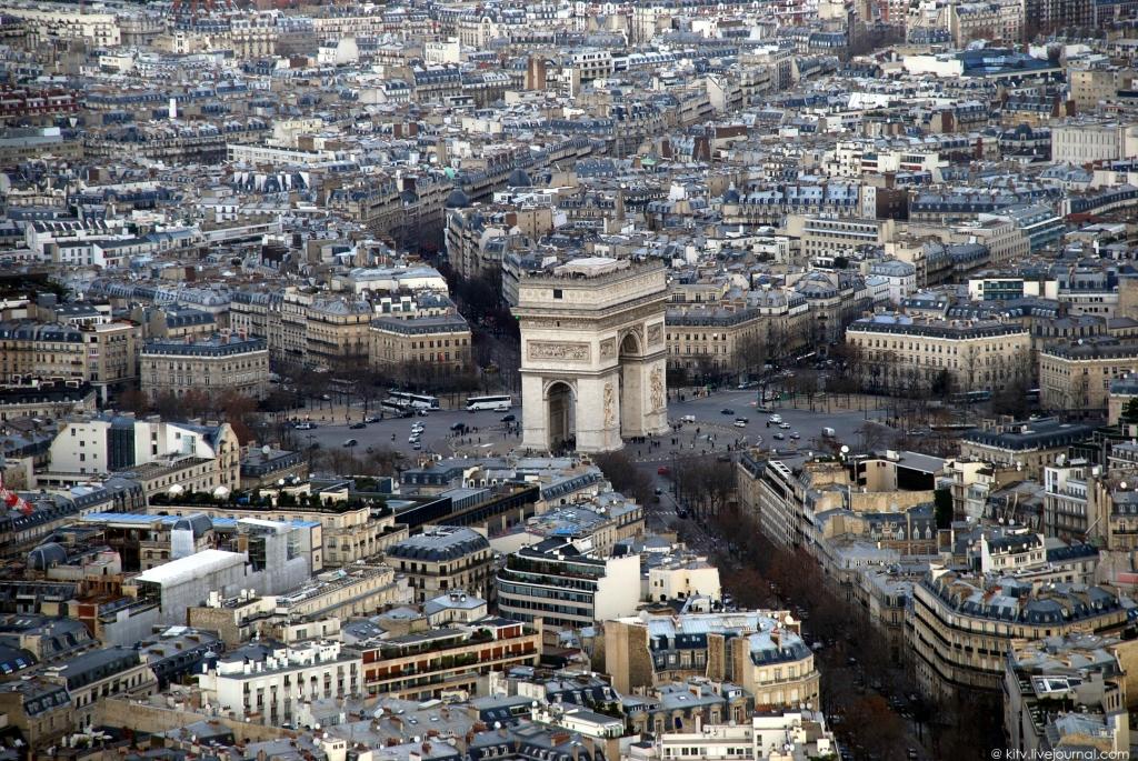 1665 Как выглядит Париж с Эйфелевой башни?