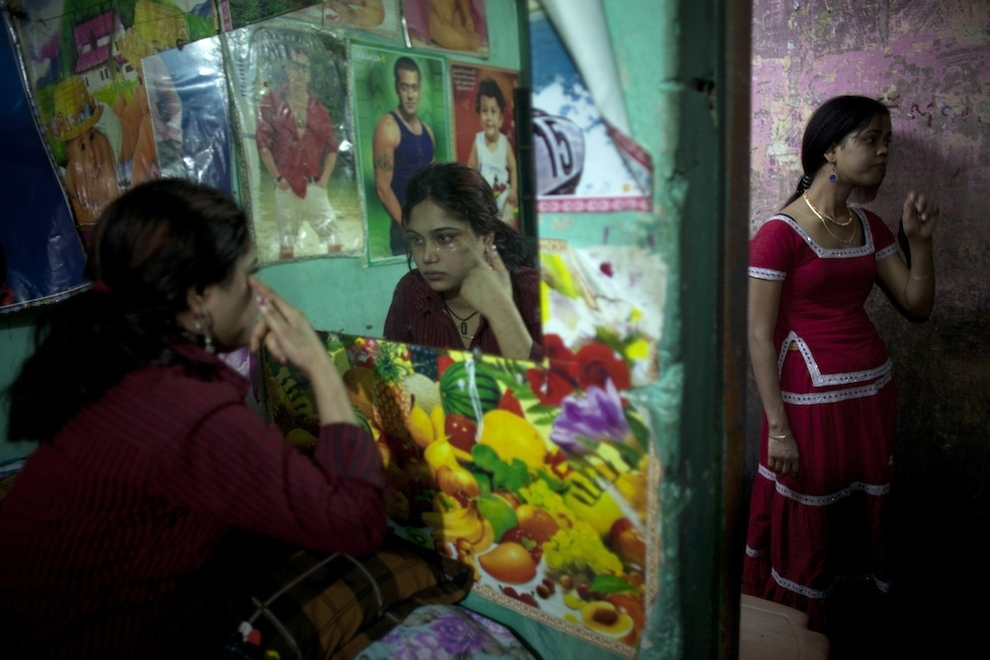 1962 Малолетние проститутки Бангладеш