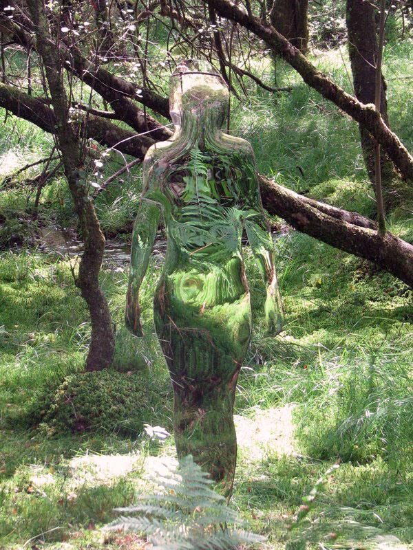 200908vestigebyrobmulholland4 Скульптуры призраки в шотландском лесу