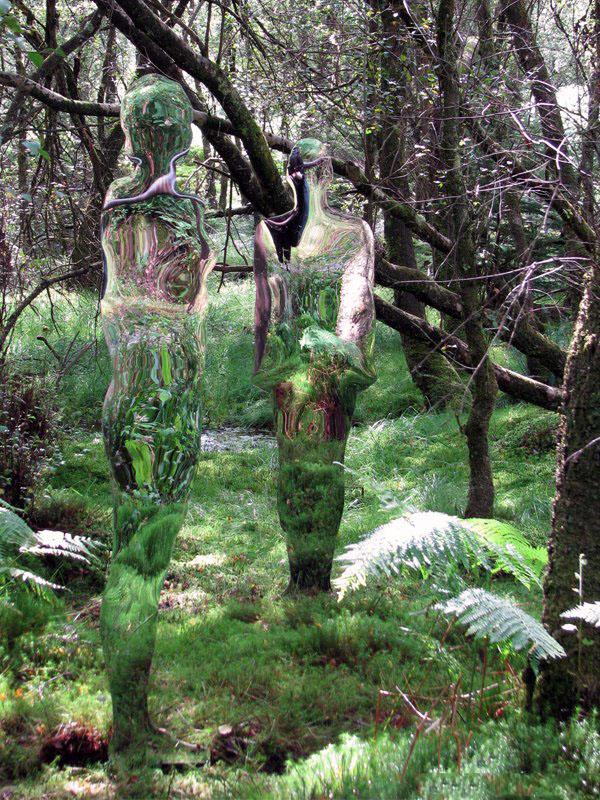 200908vestigebyrobmulholland5 Скульптуры призраки в шотландском лесу