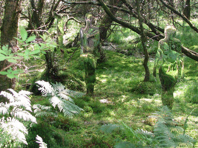 200908vestigebyrobmulholland6 Скульптуры призраки в шотландском лесу