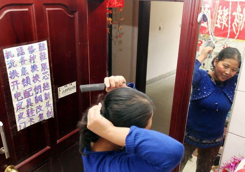 20120314195413170 Китайская семья шесть лет живёт в туалете