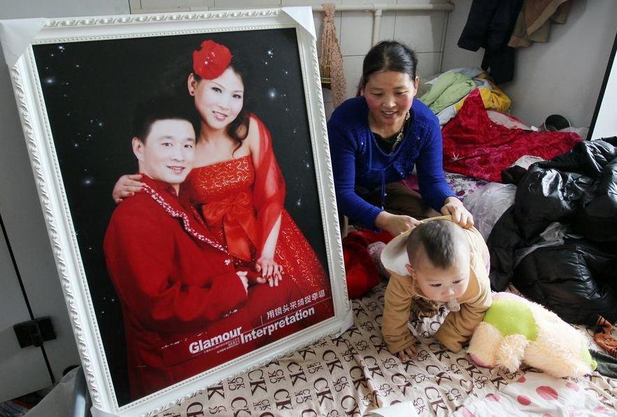 20120314195413889 Китайская семья шесть лет живёт в туалете