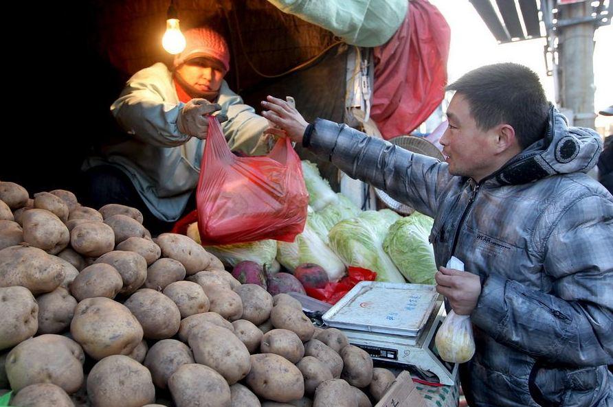 20120314195414615 Китайская семья шесть лет живёт в туалете
