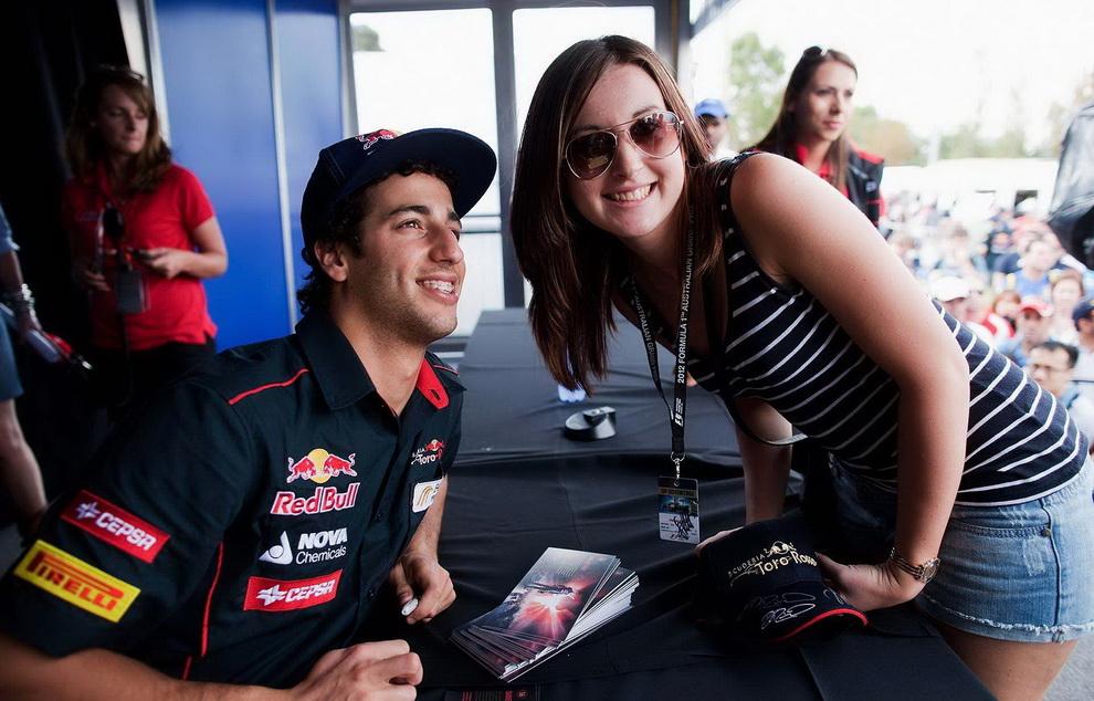 2057 За кулисами Гран При Австралии 2012: фоторепортаж