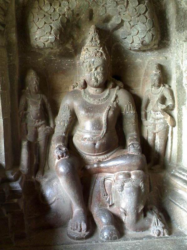 2117 Эллора пещерные храмы Индии