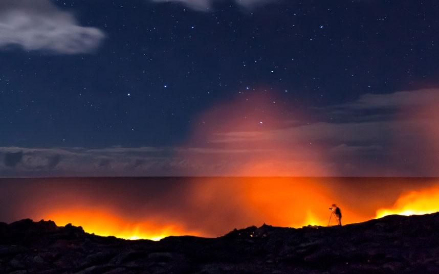2393 Любитель лавы – фотограф вопасной близости отвулкана наГавайях