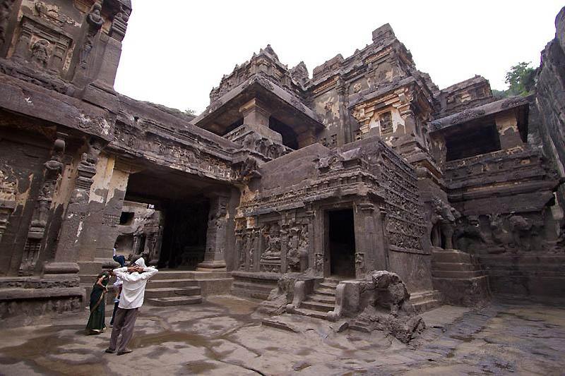 2411 Эллора пещерные храмы Индии