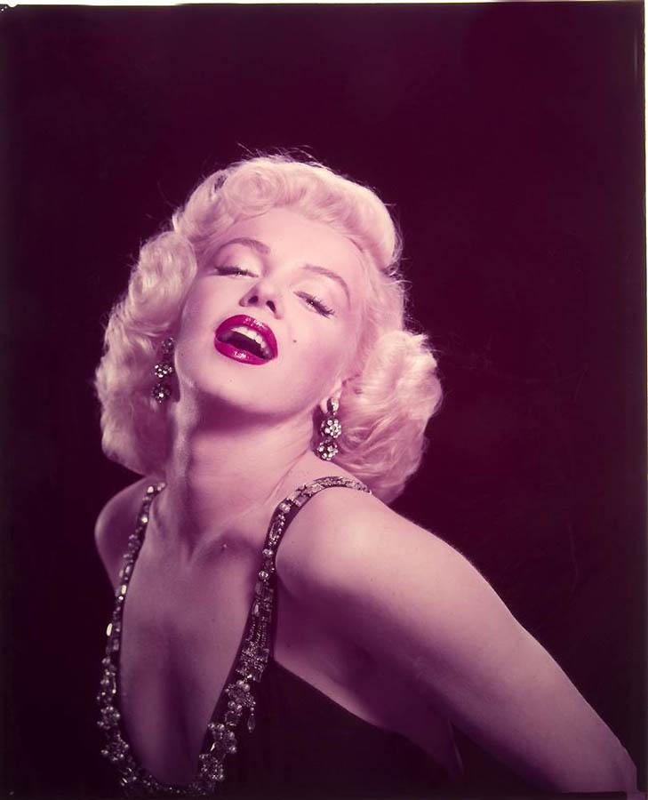 2441 Неопубликованные ранее фотографии Мэрилин Монро выставлены на аукционе