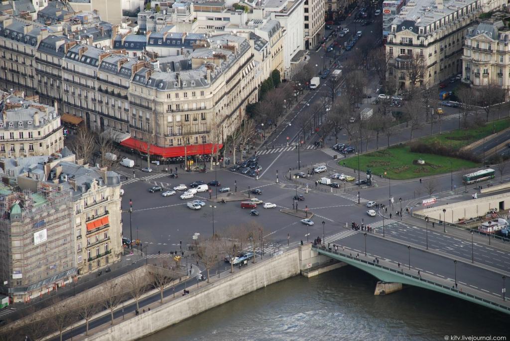 2442 Как выглядит Париж с Эйфелевой башни?