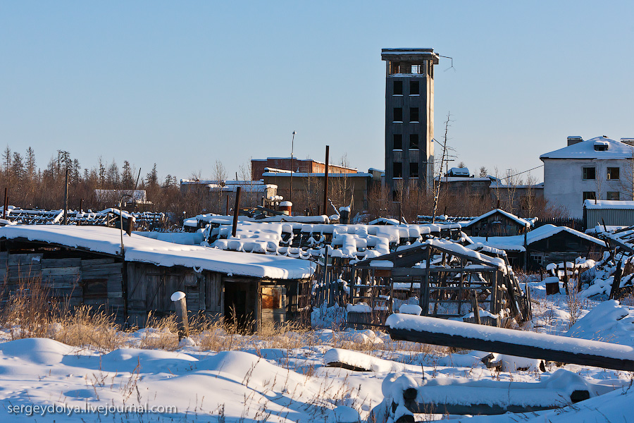 2455 Заброшенный город Кадыкчан на Чукотке