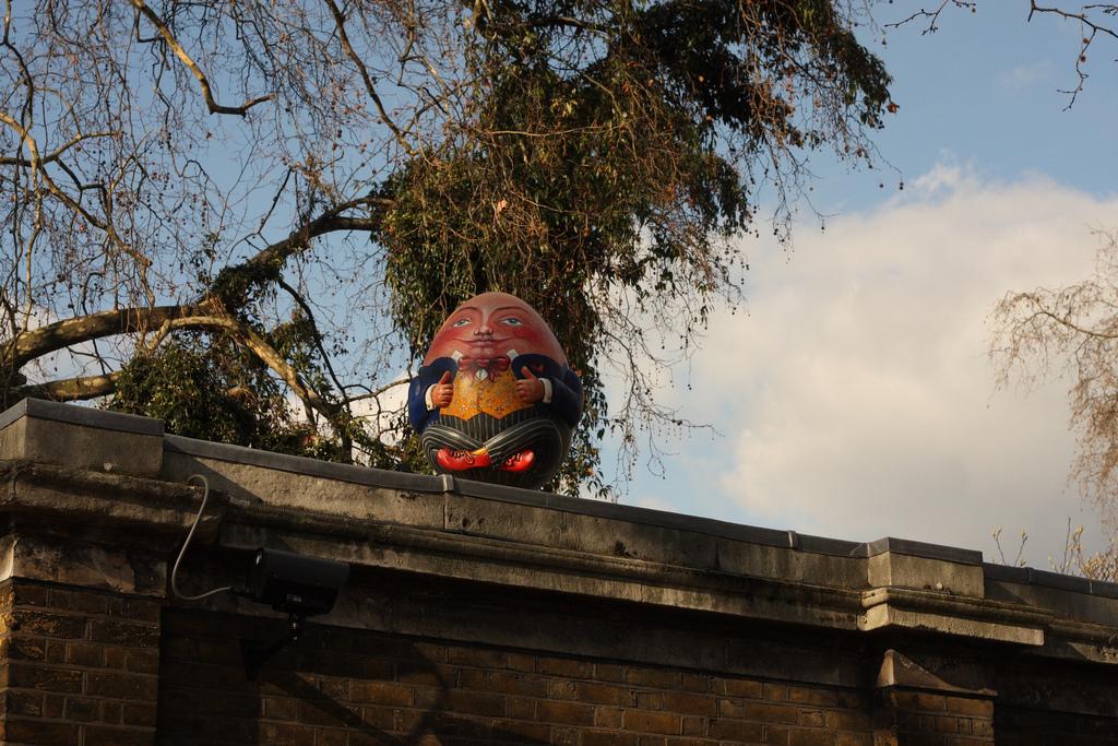 2518 Большая пасхальная охота за расписными яйцами в Лондоне