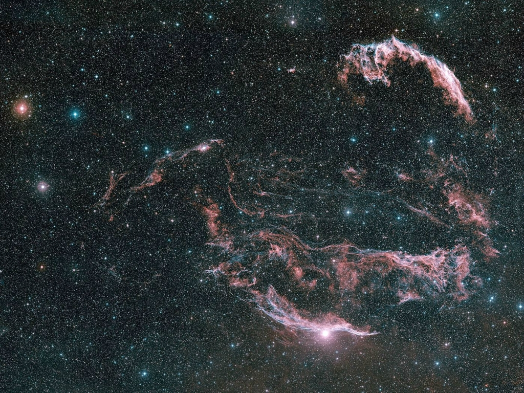 2566 Большое фотопутешествие в космос с телескопом Хаббл