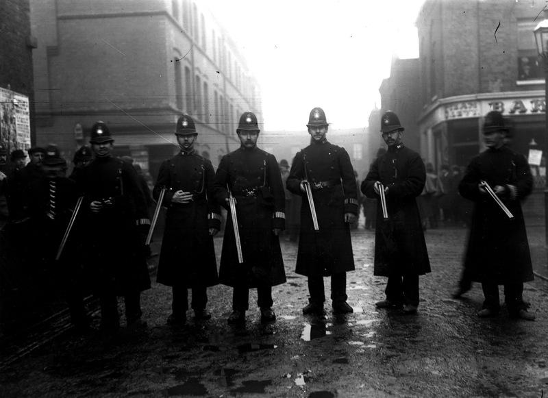 2657 Полицейские, 1890 е   1930 е.